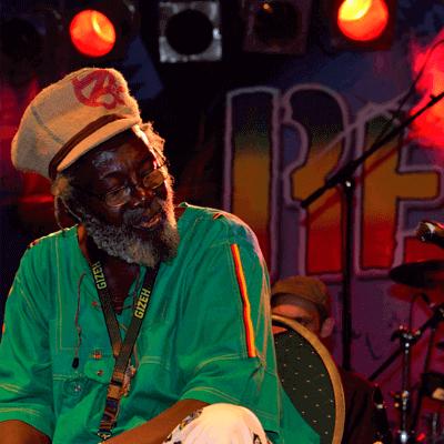 Reggae band Jamaica Papa Curvin