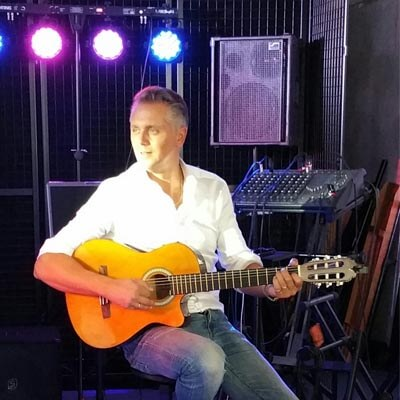 Eddy Beckler zanger gitarist