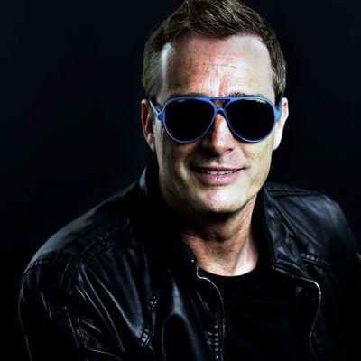 90's DJ Arlo